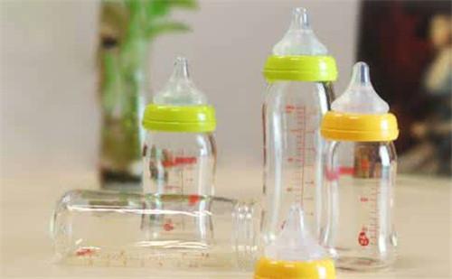 塑世界:无尘车间奶瓶注塑件外发订单!